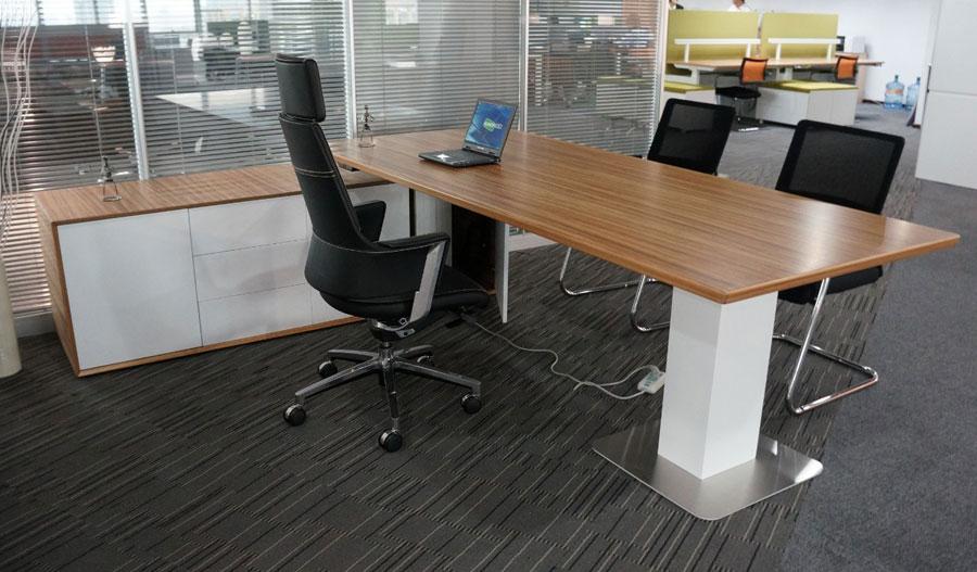 配套办公家具对于上班族来说是比较好的选择